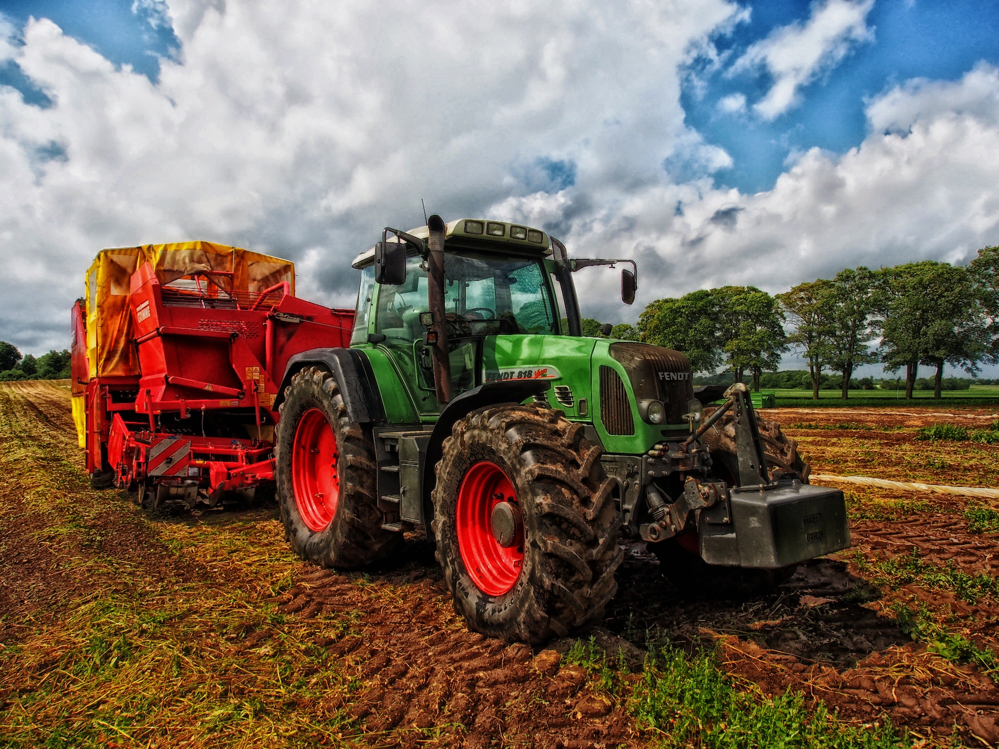 tractor-385681